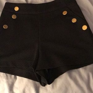 High waisted shorts with buttons